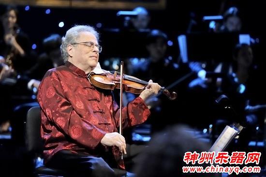 小提琴大师帕尔曼  4岁患上小儿麻痹 轮椅上成就小提琴梦