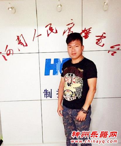 范文泽接受电台专访 分享原创歌曲《宝贝爸爸想你了》