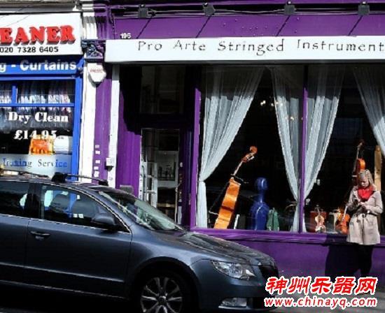 追求源于热爱 比利时小提琴手梦圆英国(图)
