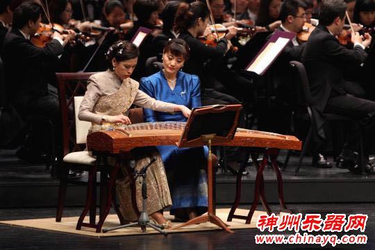 泰国公主的古筝老师李杨  曼谷演奏中泰名曲