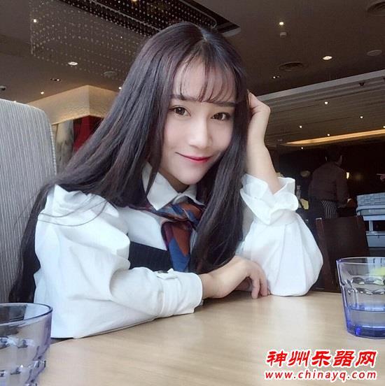 首都师范大学 气质二胡女神 祖璇(图)
