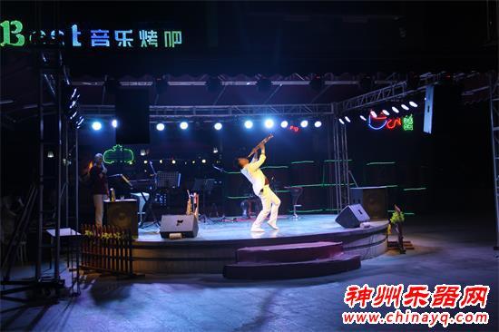 星光大道评委器乐达人范文泽荥阳见面会 激情表演嗨翻现场