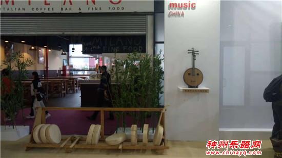 中国传统乐器制作工坊别出心裁 现场制作乐器引人入迷