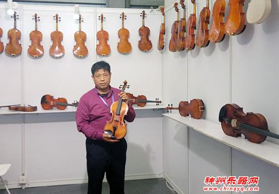 北京开庆手工提琴厂携多款仿古提琴登陆2018上海国际乐器展