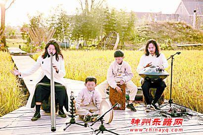 上海夫妻十年收藏1000件世界各地稀有乐器