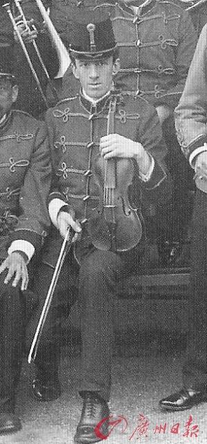 """""""泰坦尼克""""小提琴90万英镑成交创纪录"""
