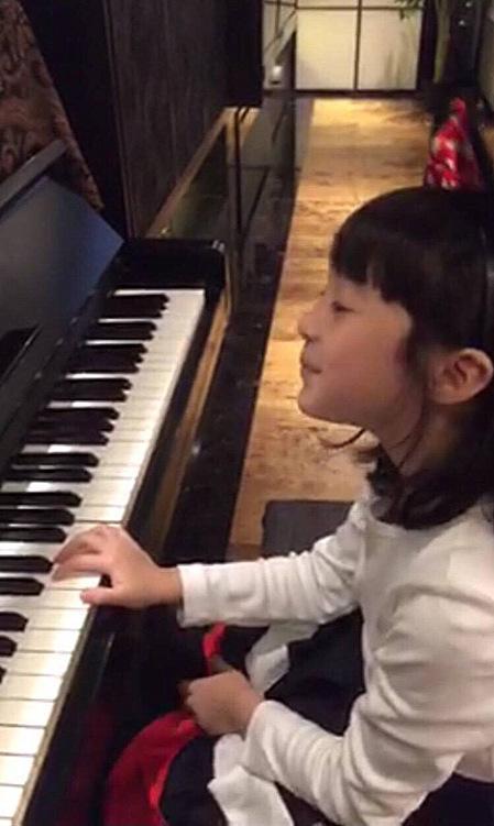 夏天成钢琴初学者 黄嘉千:自己选的路要负责