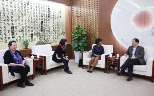 王黎光院长会见美国西北大学副校长