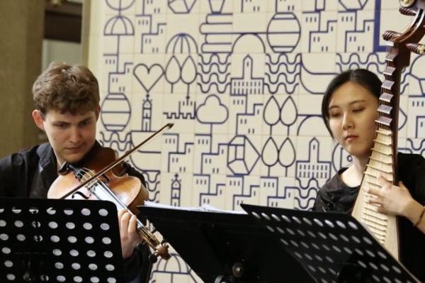 """我校外派丹麦音乐孔子学院志愿者在""""HARMOS""""室内音乐节大放异彩"""